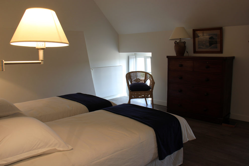 Chambre 17 m², 2 lits de 90 (étage) - 17 m² twin bedroom with two single beds
