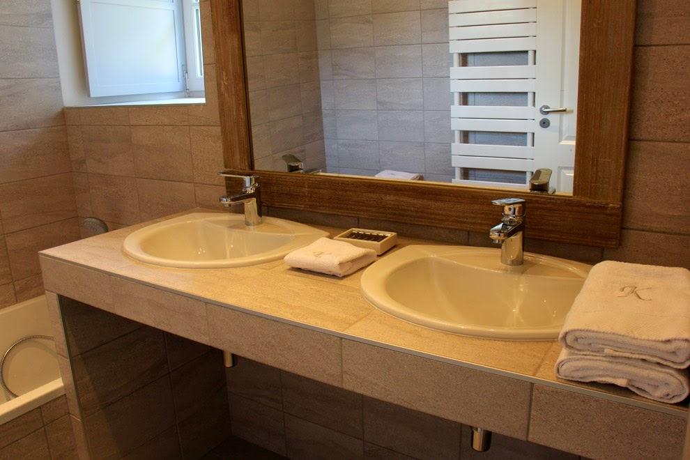 Salle de bain privative / wc indépendant - en-suite bathroom